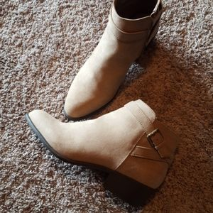 NIB justfab booties